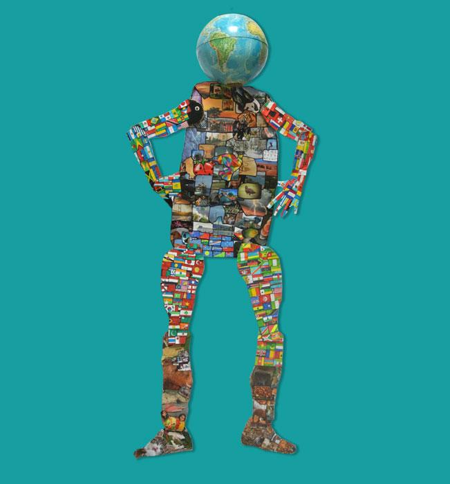 Gaïa, mère de l'humanité est une oeuvre symbolisée par un pantin. La tête est le globe terrestre. Chaque membre porte les drapeaux de tous les pays d'un continent. Les bras représentent l'Amérique et l'Europe. Les jambes représentent l'Asie et l'Afrique. Le bas du ventre représente l'Océanie. Le reste du corps est recouvert d'un éventail varié d'images de la Terre. En son centre, une colombe multicolore symbolise la paix. (École élémentaire Barbas, CE2 - 54 450 Barbas)